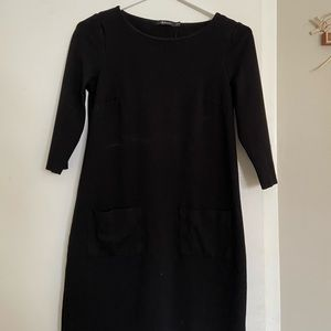 Black Reitman's dress with sleeves and pockets